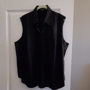 EUC Ralph Lauren Sleeveless Button Down Blouse